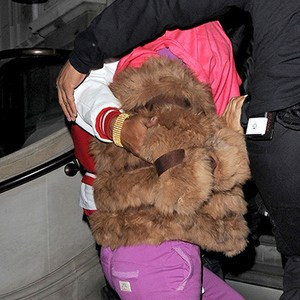 Nicki Minaj London Attacked by Paparazzi