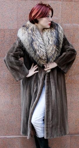 Taupe Sheared Mink Fur Coat Raccoon Fur Collar 3   MARC KAUFMAN FURS