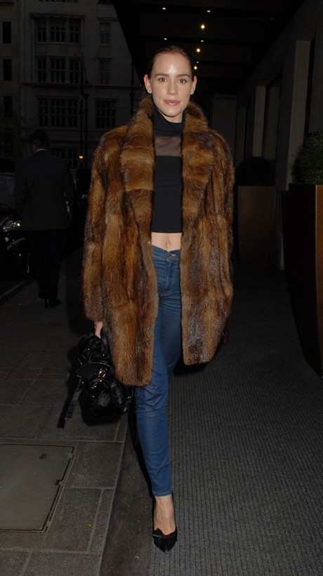 Which Primetime Actress Was Spotted Wearing a Fur Coat in the Summer?