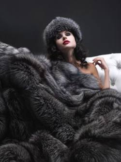 art of fur indigo fox blanket