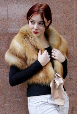 Red Fox Fur Stole with Gold Ribbon 6778 Image