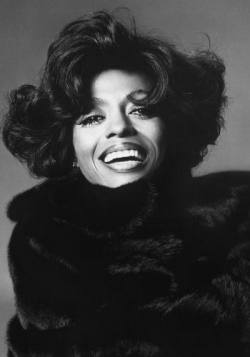 Diana Ross Looking Beautiful in Her very own Blackglama Mink Coat