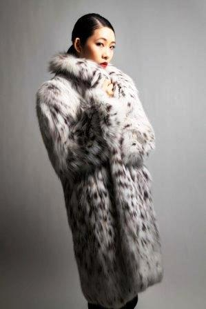 Finest American Belly Lynx Fur Stroller White