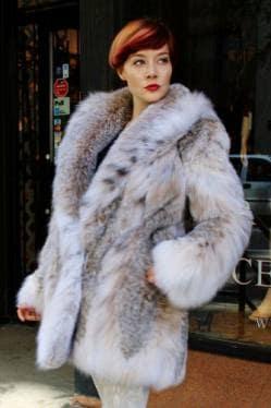 Fluffy Canadian Lynx Fur Stroller