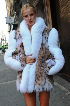 Beautiful American Cat Lynx Stroller White Fox Fur Trim from Marc Kaufman Furs New York City,Fur coats in Baltimore, fur coats in Chicago, fur coats in Detroit, fur coats in Los Angeles, fur coats in Detroit, fur coats in orange county, fur coats in Atlanta, fur coats in Denver, fur coats in Dallas, fur coats in Seattle, fur coats in Portland, fur coats in Santiago, fur coats in Portugal, fur coats in Madrid