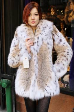 Marc Kaufman Furs presents a bobcat lynx fur stroller from Marc Kaufman Furs New York City,Fur coats in Baltimore, fur coats in Chicago, fur coats in Detroit, fur coats in Los Angeles, fur coats in Detroit, fur coats in orange county, fur coats in Atlanta, fur coats in Denver, fur coats in Dallas, fur coats in Seattle, fur coats in Portland, fur coats in Santiago, fur coats in Portugal, fur coats in Madrid
