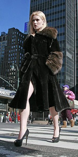 blackglama_mink_coat_sable-collar_cuffs