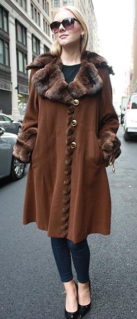Zuki Cashmere Coat with Chinchilla Fur Collar and Cuffs
