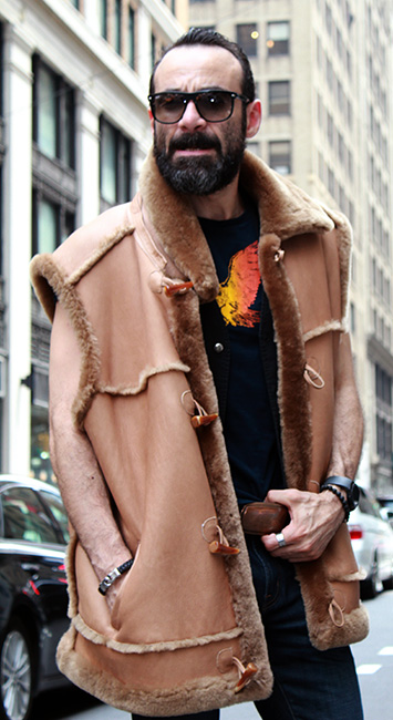 CLASSIC MEN'S TAN SHEARLING FUR VEST