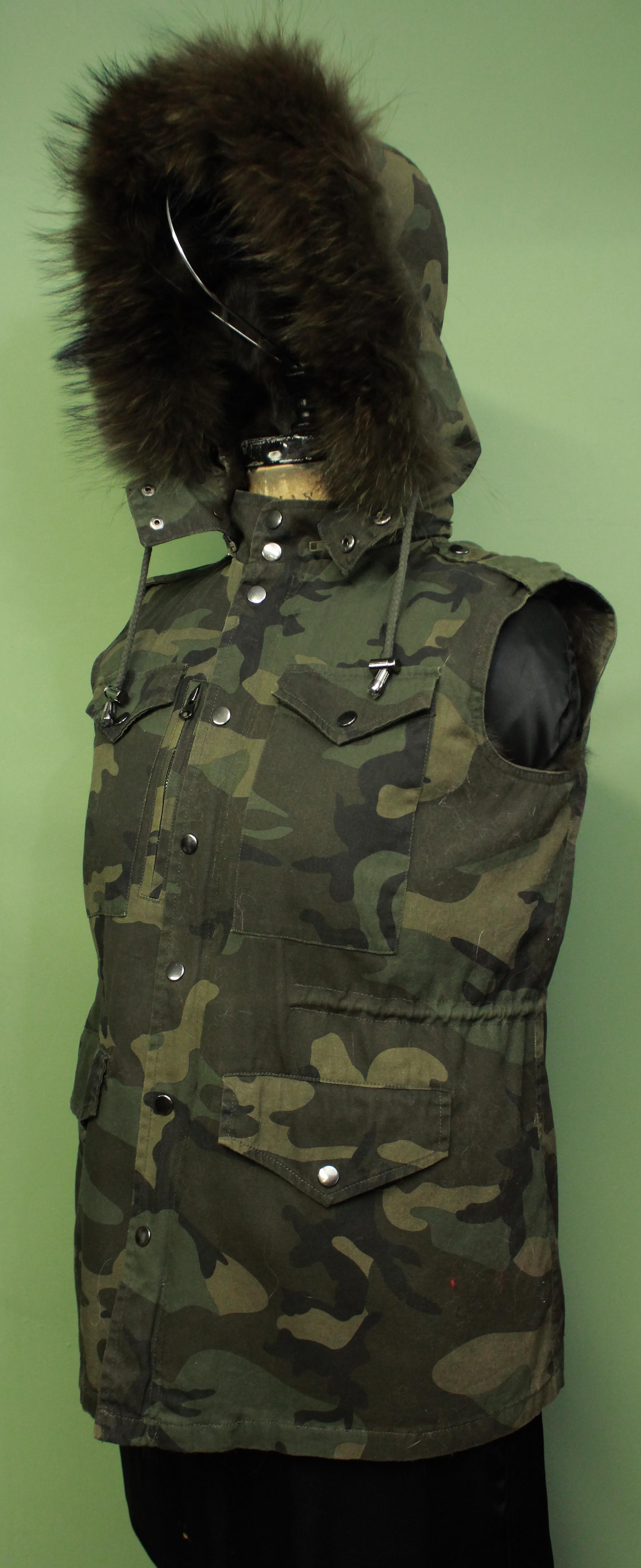 Light Green Camouflage Vest Detachable Rabbit Fur Lining Detachable Hood