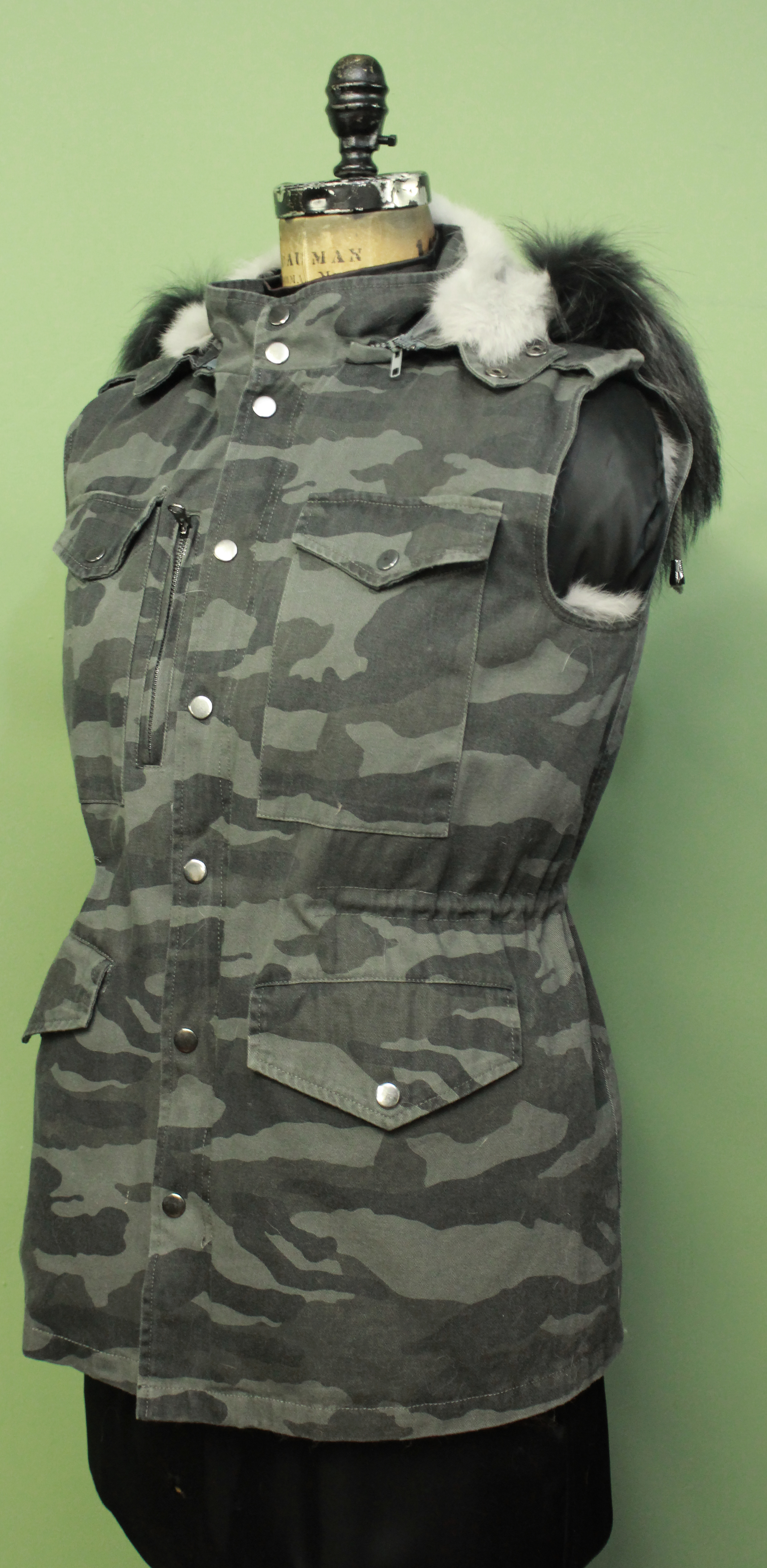 Grey Camouflage Vest Detachable Rabbit Fur Lining Detachable Hood