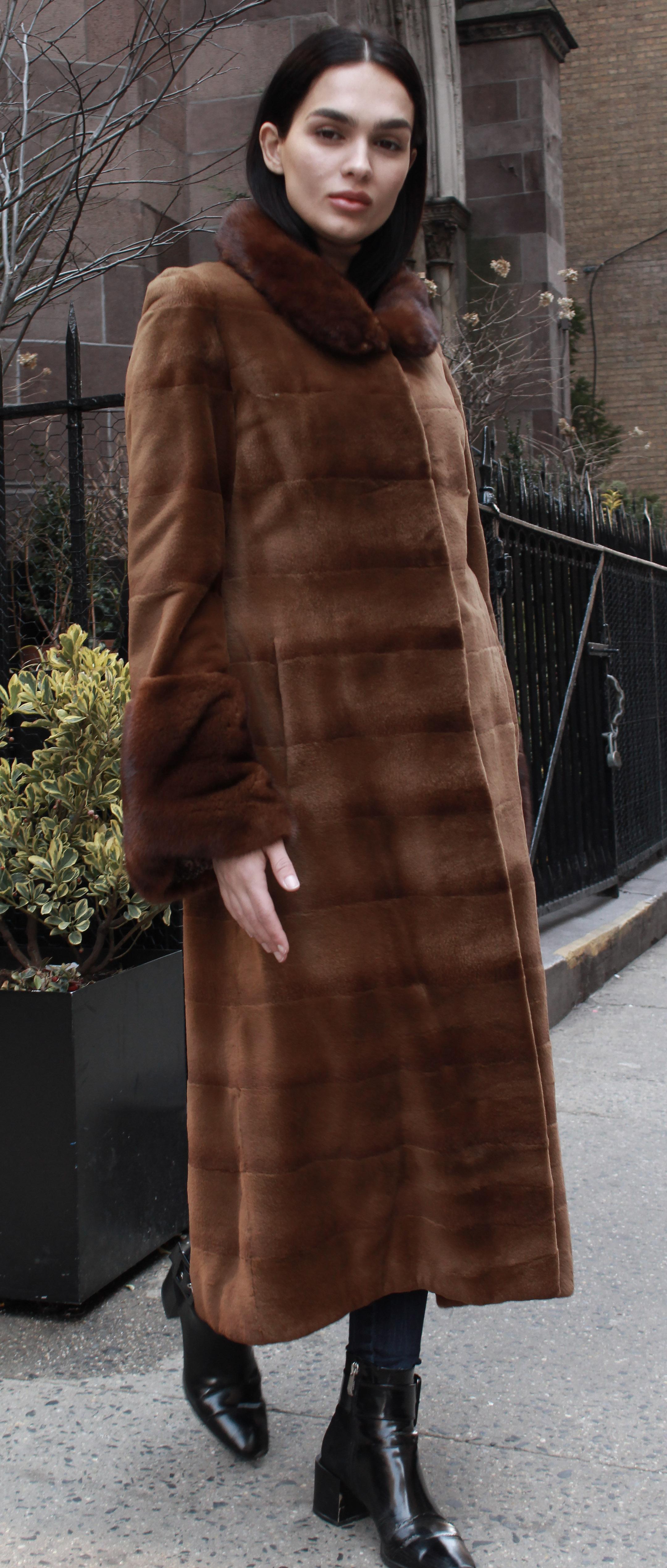 Brown Sheared Horizontal Mink Fur Coat Long Haired Mink Fur Collar Cuffs
