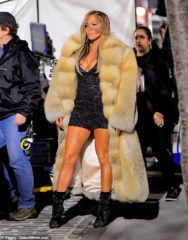 Where did Jlo buy Fox Coat