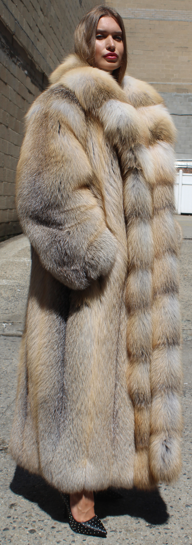 Where did JLo buy her fur fox coat Hustler Movie?
