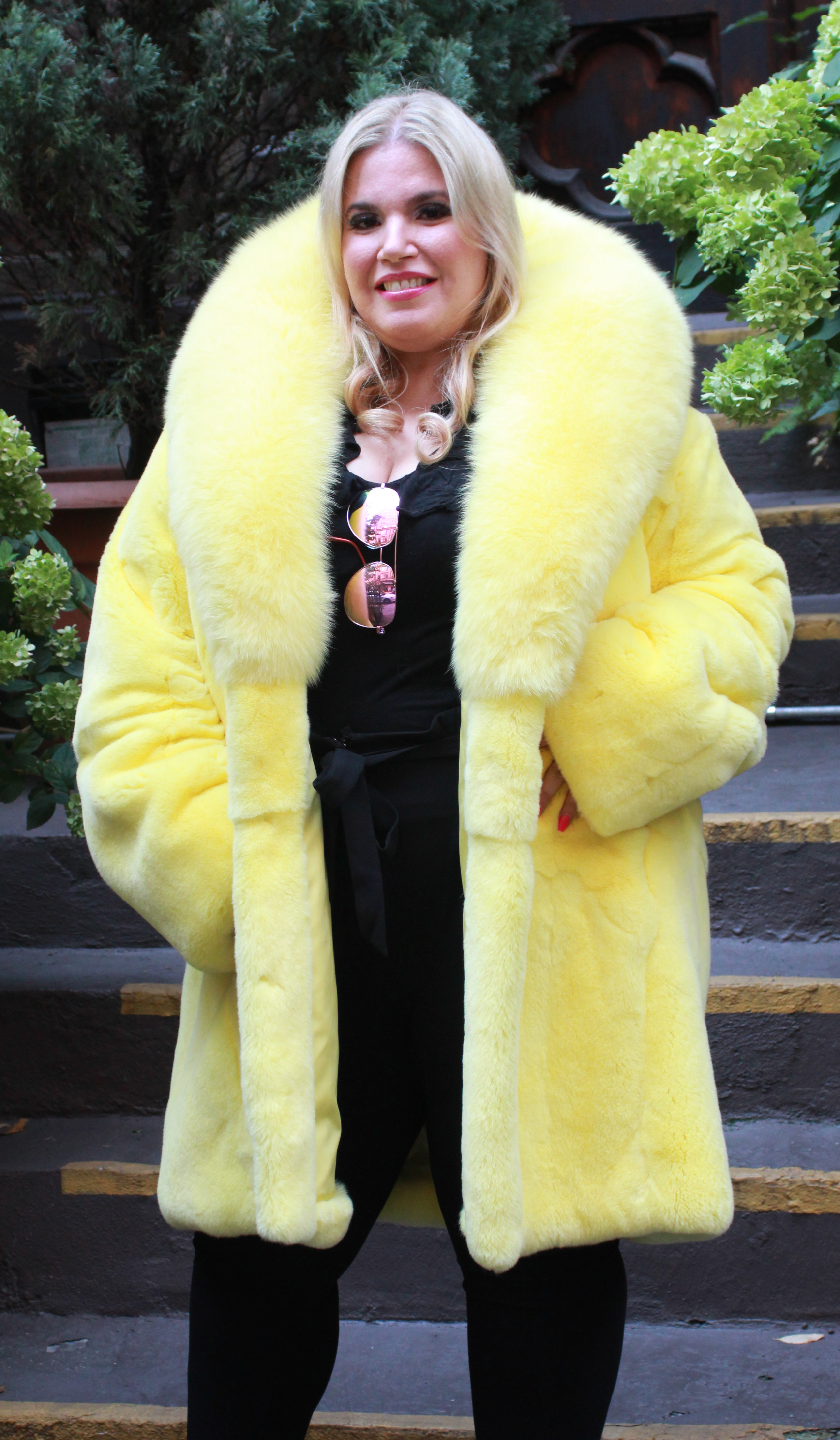 Plus Size Yellow Rex Rabbit Fur Stroller Fox Collar