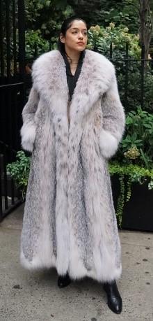 5 Fur Coats
